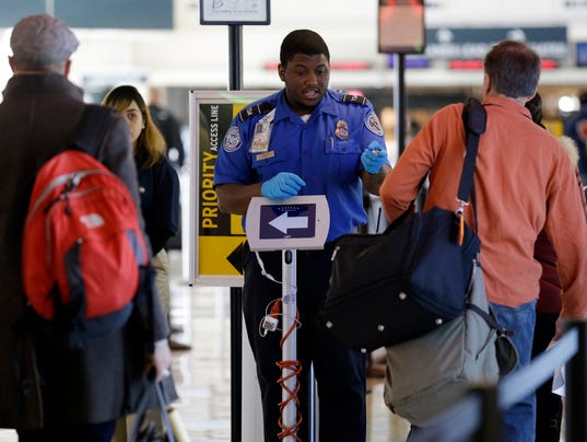 AP TSA HOLIDAY TRAVEL A USA IL
