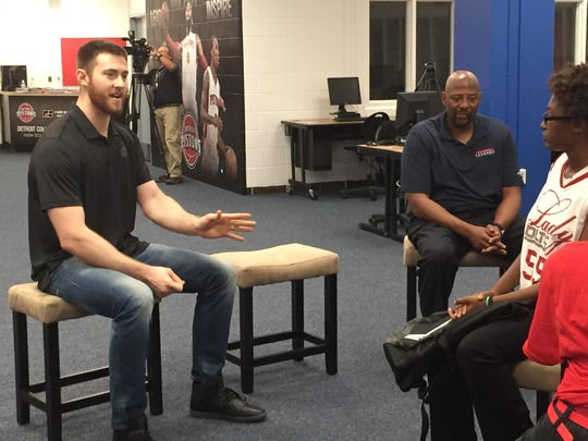 Detroit Pistons center Aron Baynes attended the ribbon-cutting of the newly renovated library at Detroit Collegiate Prep.