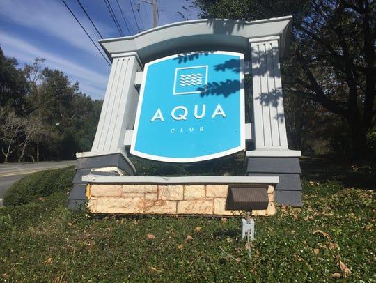 The sign for Aqua Park Apartments on Ocala Road.