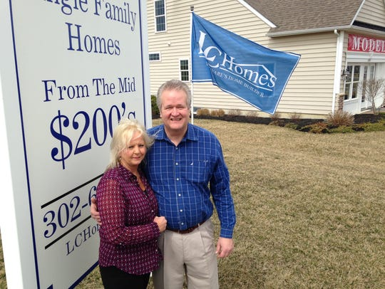 Mary and Bob Stone are sales managers at the Windstone