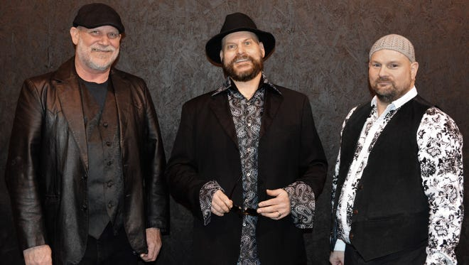 JJ Gunn brings their signature blues, soul and jazz inflected rock and roll to the Lebanon Community Theater on Saturday, Feb. 11 at 7:30 p.m. The performance will be a benefit for the Standing Rock Sioux Tribe, as they fight against the Dakota Access Pipeline.