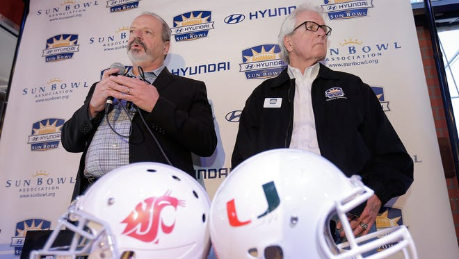 Mayor Oscar Leeser, left, and Sun Bowl Association Football Selection Committee Chairman John Fulmer announce the teams for this year's Hyundai Sun Bowl will Washington State and The University of Miami.