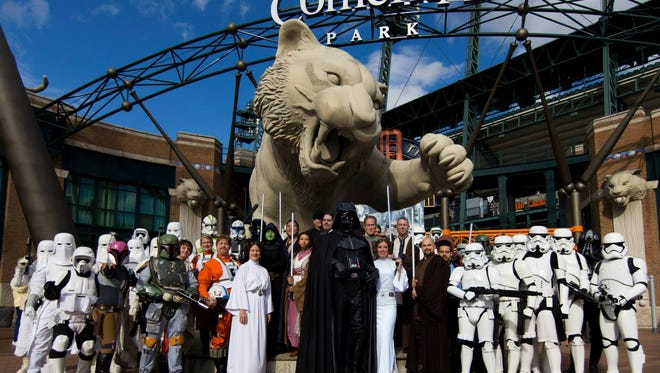 """Great Lakes Garrison and Great Lakes Base members attend the Detroit Tigers 2015 """"Star Wars"""" night."""