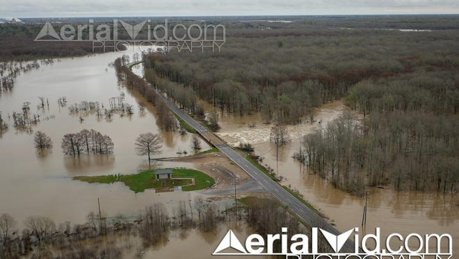 Flood scenes provided by Craig Roberson of Aerialvid.com