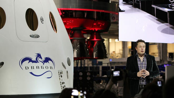 On May 30, 2014, at SpaceX headquarters in Hawthorne, California, CEO Elon Musk unveiled a mockup of the Crew Dragon capsule it will use to fly astronauts to and from the International Space Station.