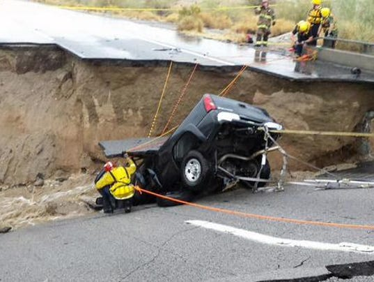 Car Wash Phoenix >> I-10 in California closed after bridge collapses