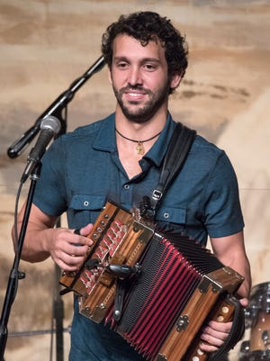 Forest Huval joins Rusty Metoyer at the next edition of Acadiana Roots.