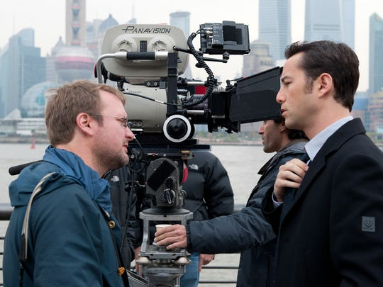 Rian Johnson directs Joseph Gordon-Levitt on the set