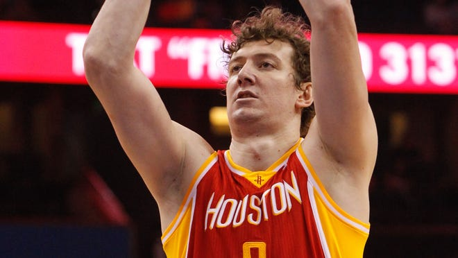 Omer Asik averaged 7.9 rebounds a game as a backup center for the Rockets last season.