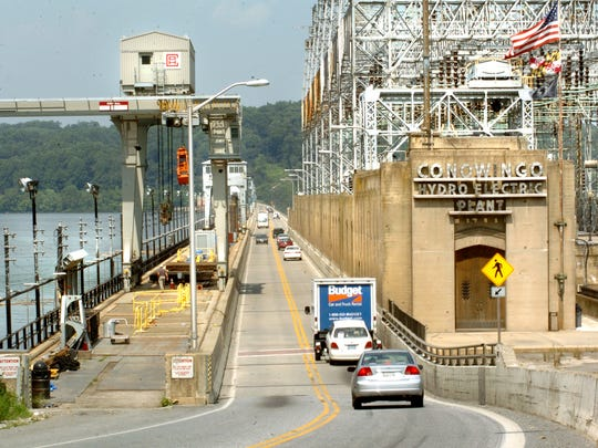 Traffic crosses eastbound across the Conowingo Dam in Maryland in 2009.