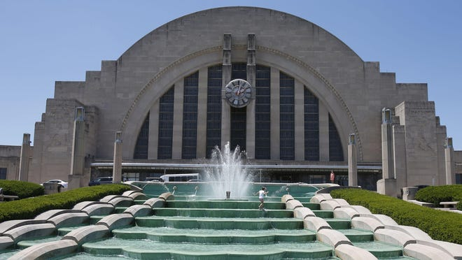 A docent and a docent in training at the Cincinnati Museum Center at Union Terminal will be featured at forums about Cincinnati's role in U.S. history in April and May in Indian Hill.