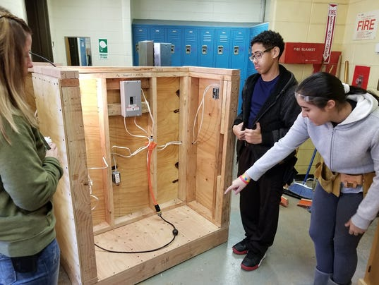 Eighth-graders in MCVTS career choices program demonstrate their skills