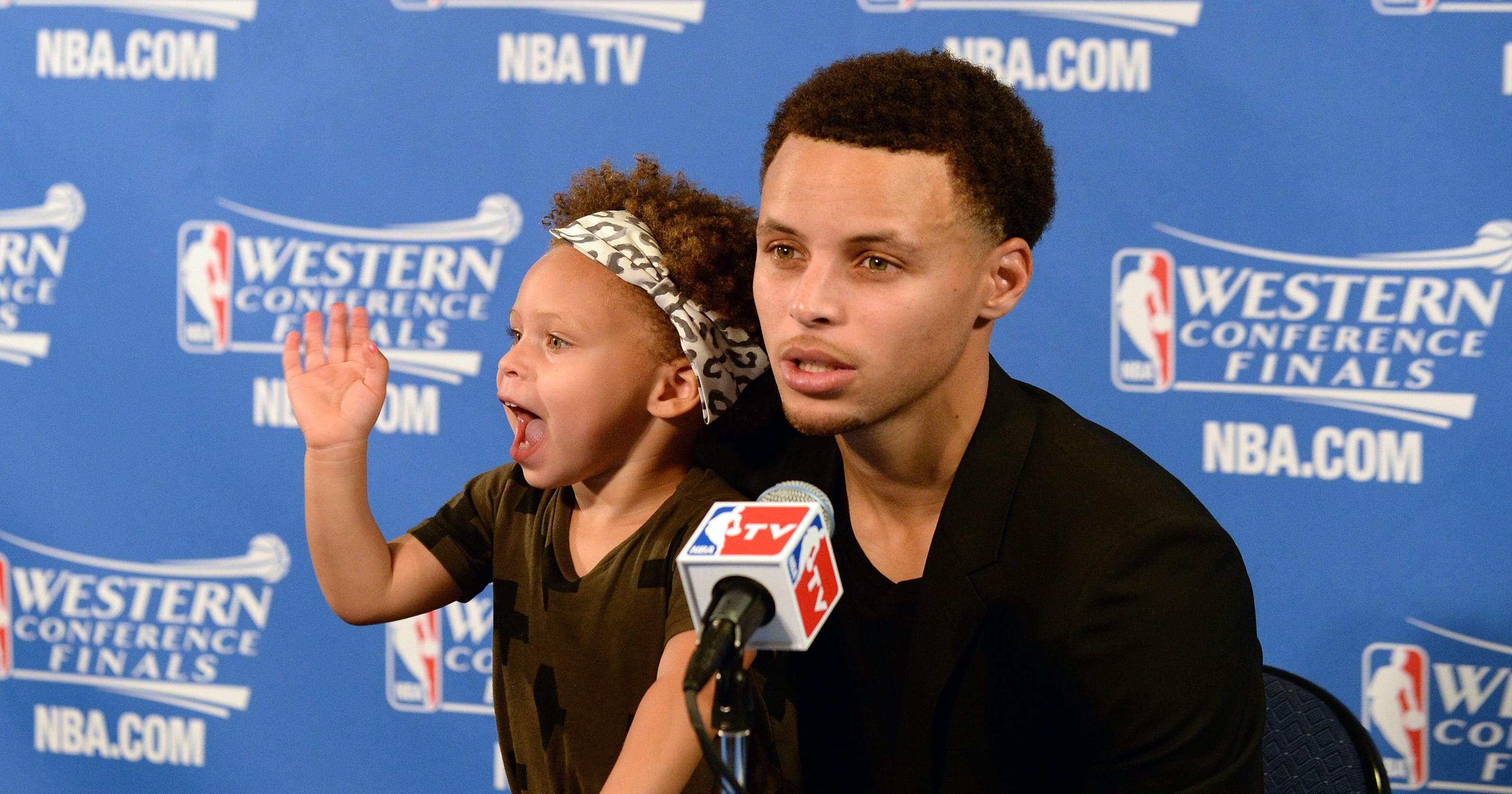 69cd2f51d32b Why is there an issue with kids at postgame press conferences
