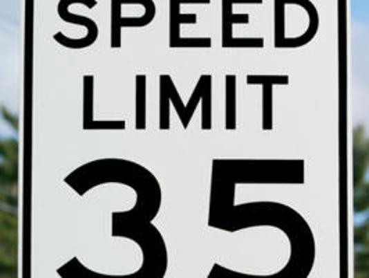 -speed-limit-35.jpg