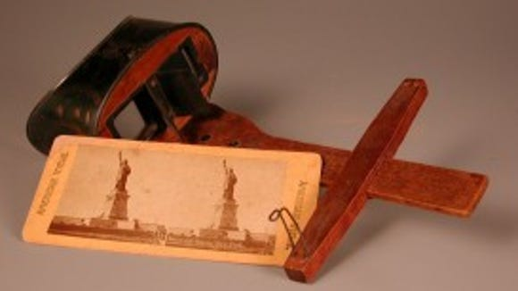American Views, stereoscope and stereograph, about 1900, the Iris F. Hollander November Collection, donated by Mort and Iris November in honor of her mother, Celeste Coriene Flaxman, courtesy of The Strong, Rochester, New York.