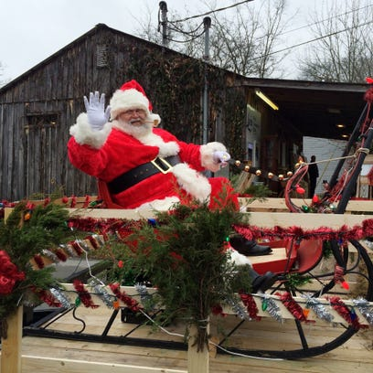Santa and the sleigh ride at 2014 Bell Buckle Old Fashioned
