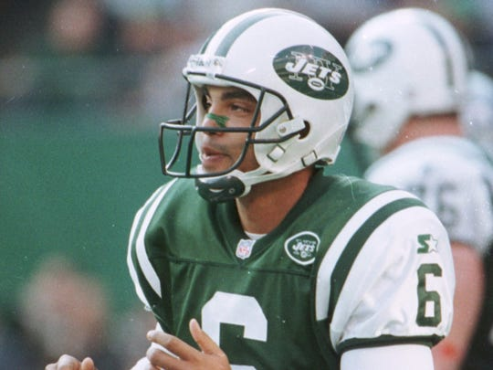 Ray Lucas playing for the Jets.