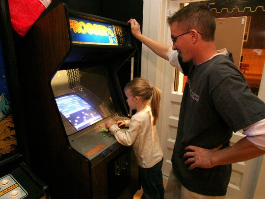 You'll find old-school favorite arcade games like Frogger, Pac-Man and Space Invaders at 1984.