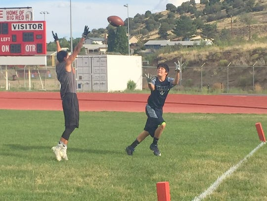 Silver's Jayson Allison reaches out to catch this pass