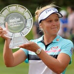 Henderson edges Michelle Wie, Lexi Thompson to win Meijer LPGA Classic