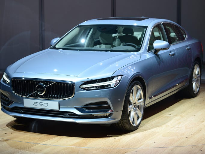 Volvo shows off the S 90 sedan to the world automotive