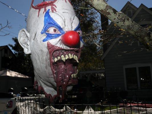 636449693713705177-Clown-head-art-Joe-Rondone.JPG