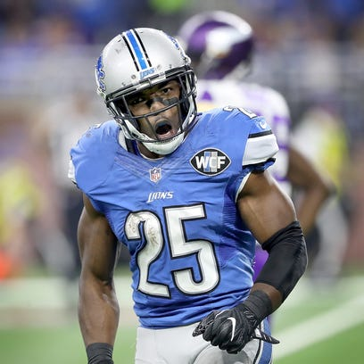 Lions running back Theo Riddick reacts to his second-quarter