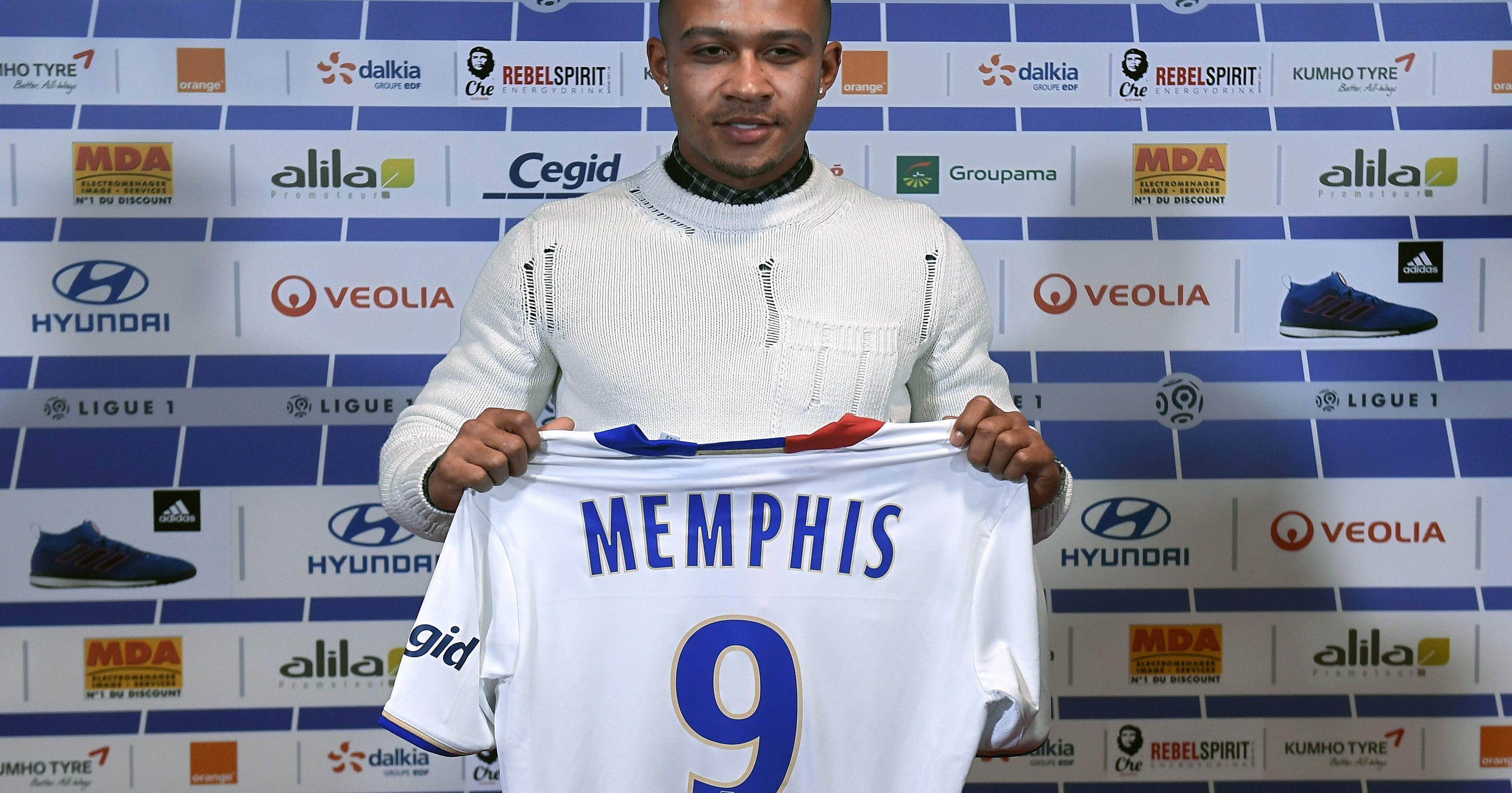 050f20c06 Memphis Depay hoping to bounce back after move from Manchester United to  Lyon