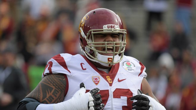 USC offensive tackle Zach Banner reacts during the Rose Bowl against Penn State on Jan. 2, 2017.