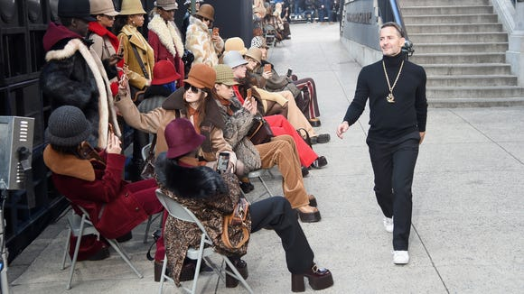 Marc Jacobs greet his models outside of his NYFW show.