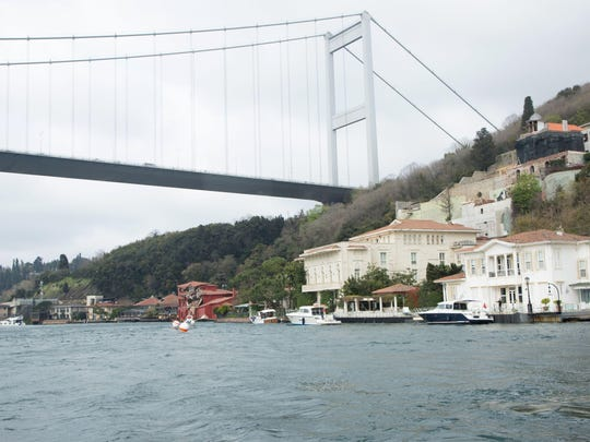 A cargo vessel crossing through the Bosphorus in Istanbul on April 7 crashed into a historic waterside mansion due to a technical fault, causing significant damage. The vessel was extracted from the mansion but the Bosphorus was closed to shipping traffic in both directions as a precaution, the NTV television said. There were no casualties.