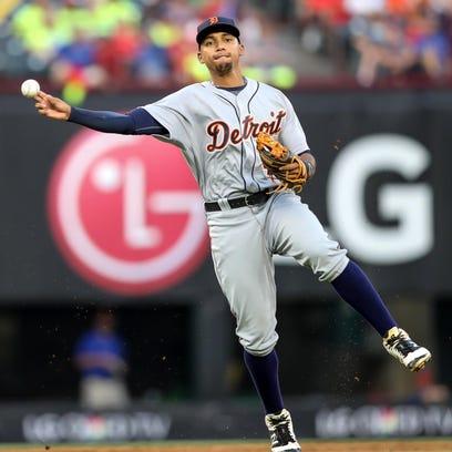 Tigers shortstop Dixon Machado makes an off-balance