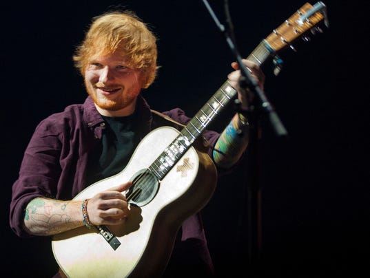 Review ed sheeran 39 s one man symphony conquers glendale - Ed sheeran give me love live room ...
