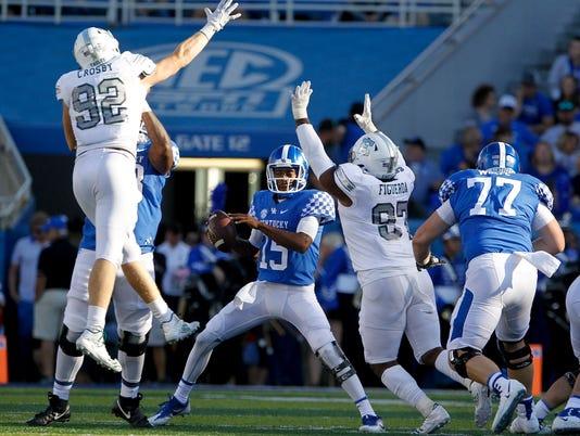 NCAA Football: Eastern Michigan at Kentucky