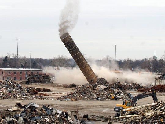 -sp news smoke stack1182.JPG_20080131.jpg