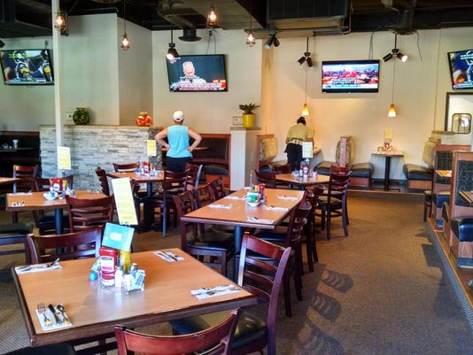 TDS NBR EV Food 1009 Louises Pantry - other dining room, TVs, booths