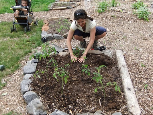 BMN 051216 Community garden