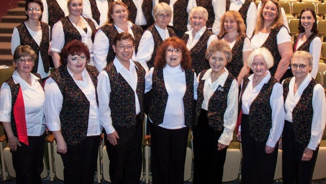 The Santiam Canyon Community Chorus announced a new choral director and upcoming performances.