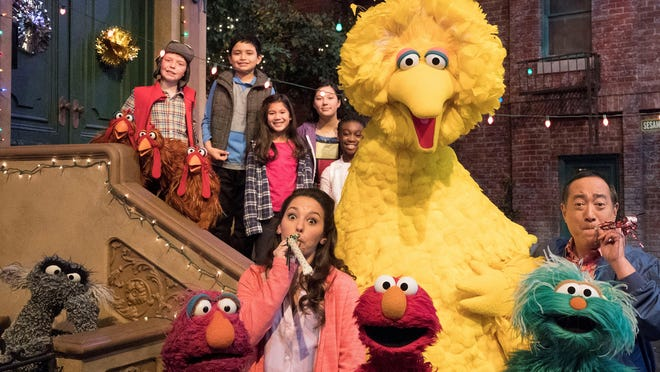 """Big Bird, Elmo and stars of """"Sesame Street"""" are leaving their quiet neighborhood and hitting the road on a 10-city tour that includes Detroit."""