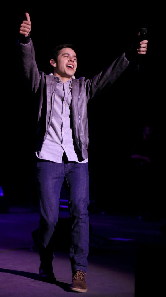 David Archuleta gives a thumbs-up to his fans near