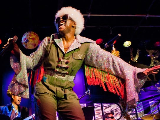 """Everett Bradley brings his """"Holidelic"""" tour to The"""