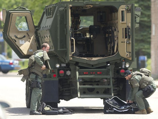 Police use high tech tools to resolve bancroft standoff for Department of motor vehicles stevens point wisconsin