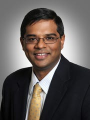 TriHealth cardiologist Puvi Seshiah performed the new transcaval procedure on a heart patient last month.