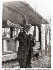 Willima Sydney Porter, pen name O. Henry, in front