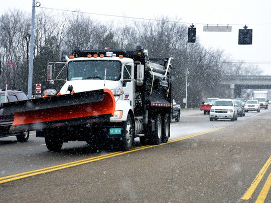 TDOT preparing roads for snow along Kingston Pike in