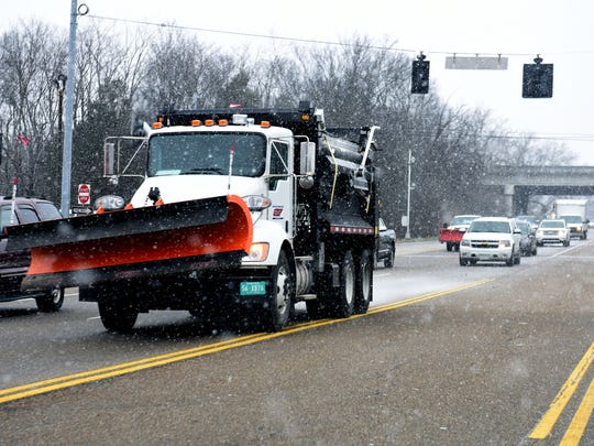 Snow hits East Tennessee, Knox County Schools closed Wednesday