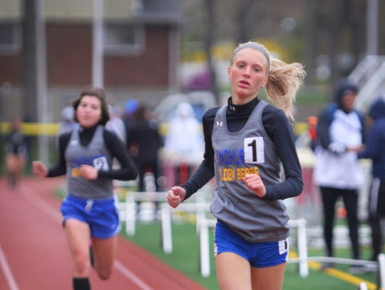 Giulia Pezzolla of Lyndhurst, finishes first and Kelly