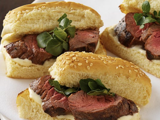 635749086073619948-Filet-Sandwiches-Landry-s-Inc