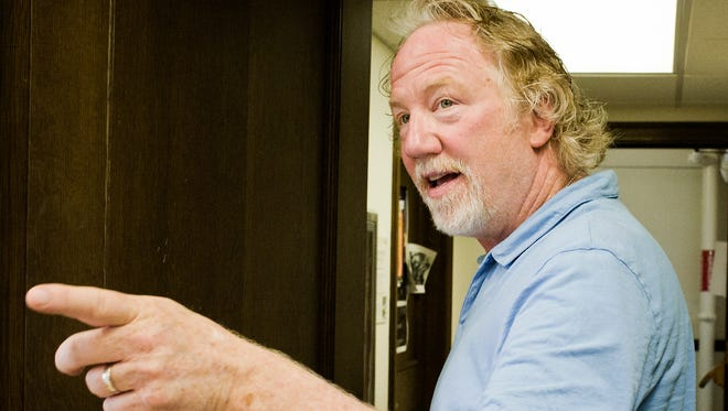 Screen and TV actor Timothy Busfield gives words of encouragement to an MSU acting class in June. Busfield started his work as an artist in residency at MSU in the summer of 2016.