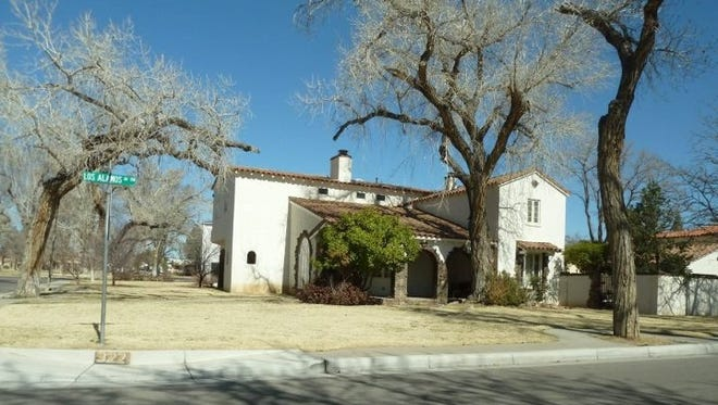 Fans of AMC's 'Breaking Bad' flock to Albuquerque sites featured in the show, such as the house of character Jesse Pinkman.